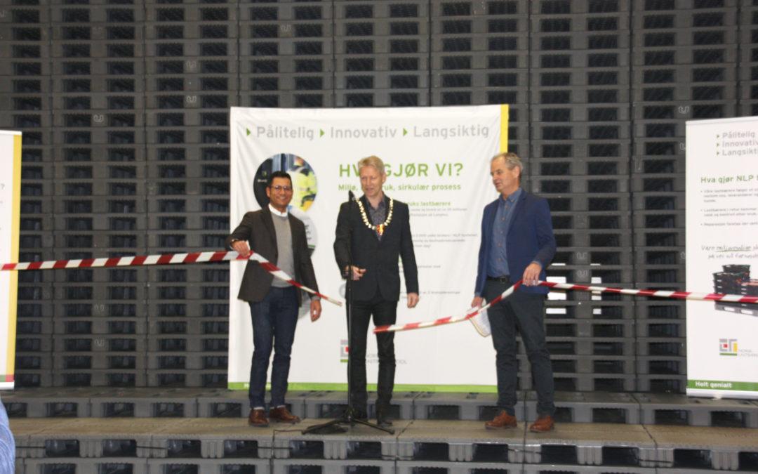 Norsk Lastebærer Pool åpnet ny drifts-stasjon og lager på Melhus i Trøndelag.
